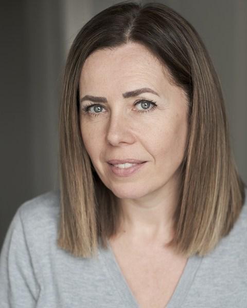 Female Actor Alison Donohue - Stirling Management Actors Agency