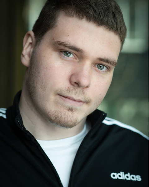 Male Actor  Andrew Beard - Stirling Management Actors Agency