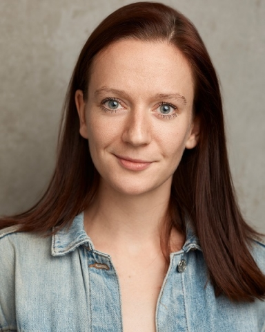 Female Actor Beth Wilcox - Stirling Management Actors Agency