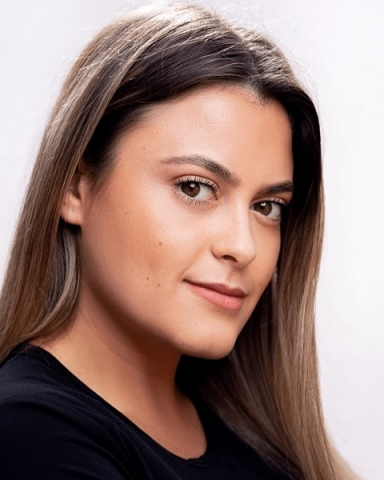 Female Actor Charlotte Rowe - Stirling Management Actors Agency