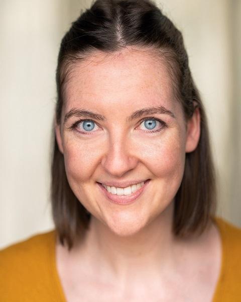 Female Actor Elizabeth Halpin - Stirling Management Actors Agency