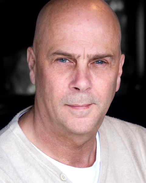 Male Actor  Glen Mortimer - Stirling Management Actors Agency