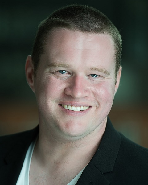 Male Actor  Iain Cash - Stirling Management Actors Agency