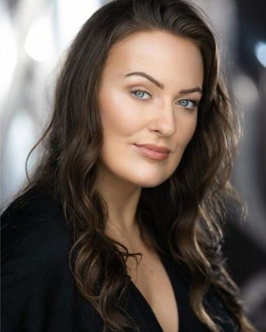 Female Actor Lori Flannigan - Stirling Management Actors Agency
