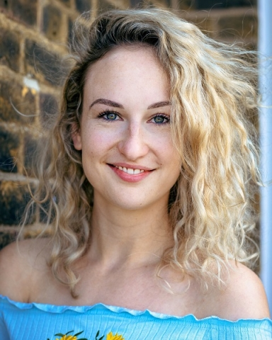 Female Actor Lucy Dale - Stirling Management Actors Agency