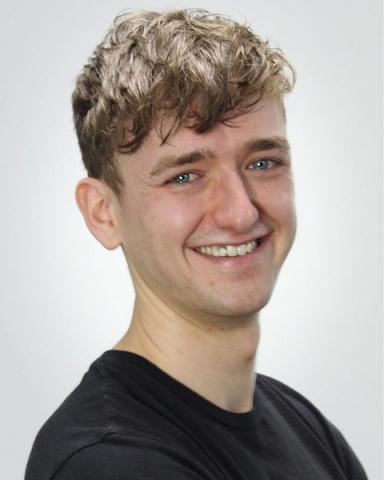 Male Actor  Oliver Dobson - Stirling Management Actors Agency