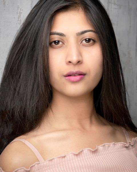 Female Actor Shyna Nasir - Stirling Management Actors Agency