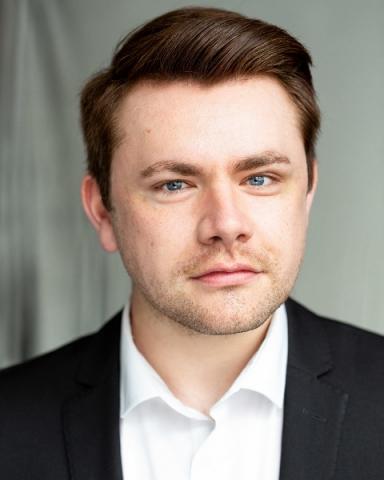 Male Actor  Tom Banks - Stirling Management Actors Agency