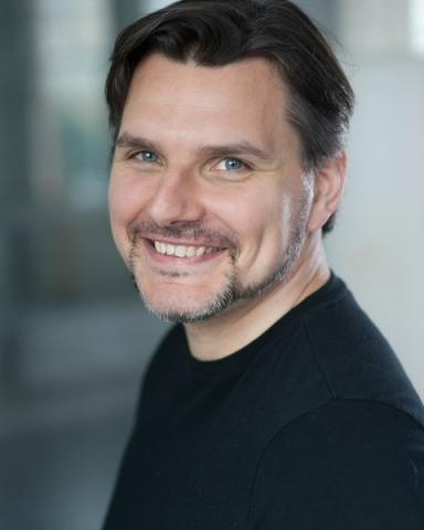 Male Actor  Warren Saunders - Stirling Management Actors Agency